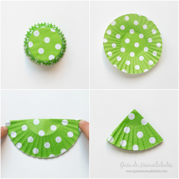 Adornos navide os con moldes de papel para cupcakes gu a de manualidades - Moldes papel magdalenas ...
