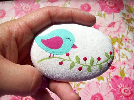 Consejos pr cticos para pintar piedras gu a de manualidades for Dibujo de una piedra para colorear