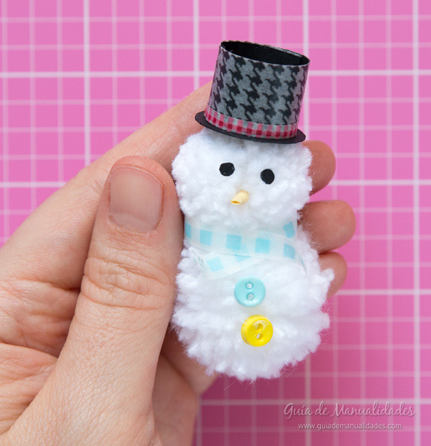 Muñeco de nieve pompones 11