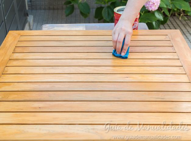 Mesa de madera decapada 4