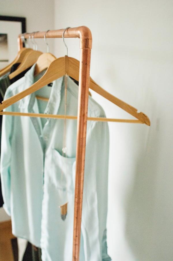 Como hacer un mueble de madera para colgar ropa - Barras de pared para colgar ropa ...