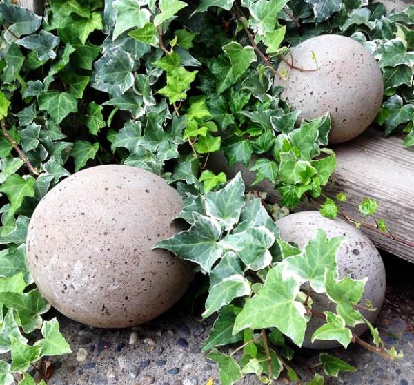 esferas-de-cemento-para-el-jardin-01