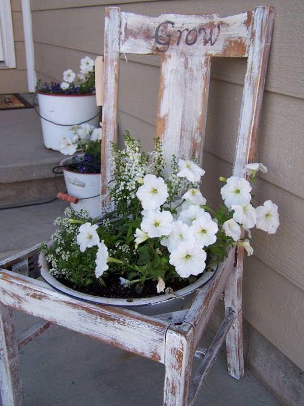 ideas-para-decorar-con-sillas-y-plantas-05