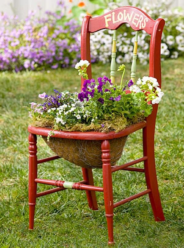 ideas-para-decorar-con-sillas-y-plantas-13