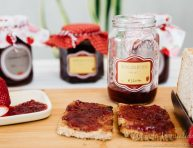imagen Mermelada casera de fresas con etiquetas imprimibles