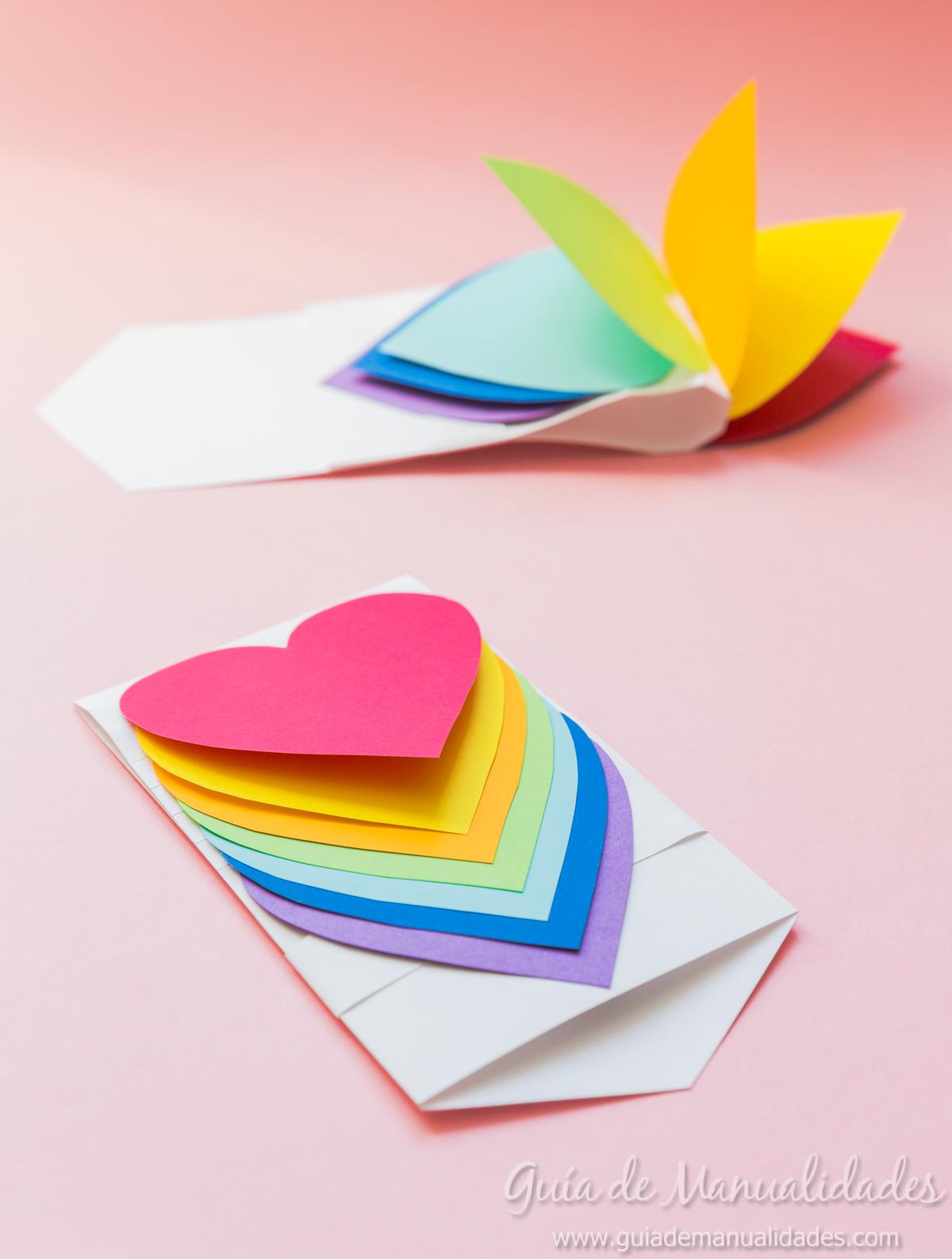 Tarjeta de corazones móviles - Guía de MANUALIDADES