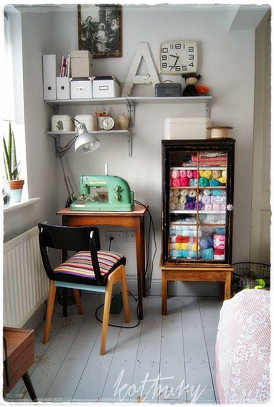 Desk Ideas For Small Spaces Corner