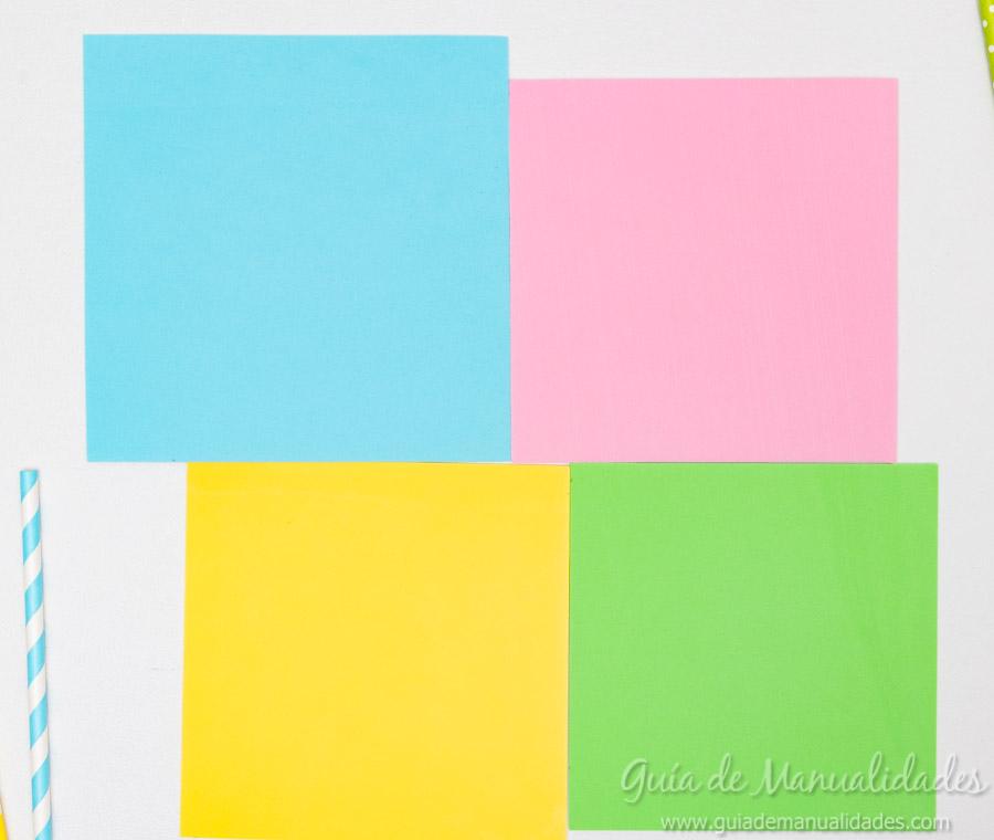 con la regla y lpiz marcar diagonales para poder determinar el centro de la pieza y realizar un corte en las cuatro esquinas sin llegar al centro