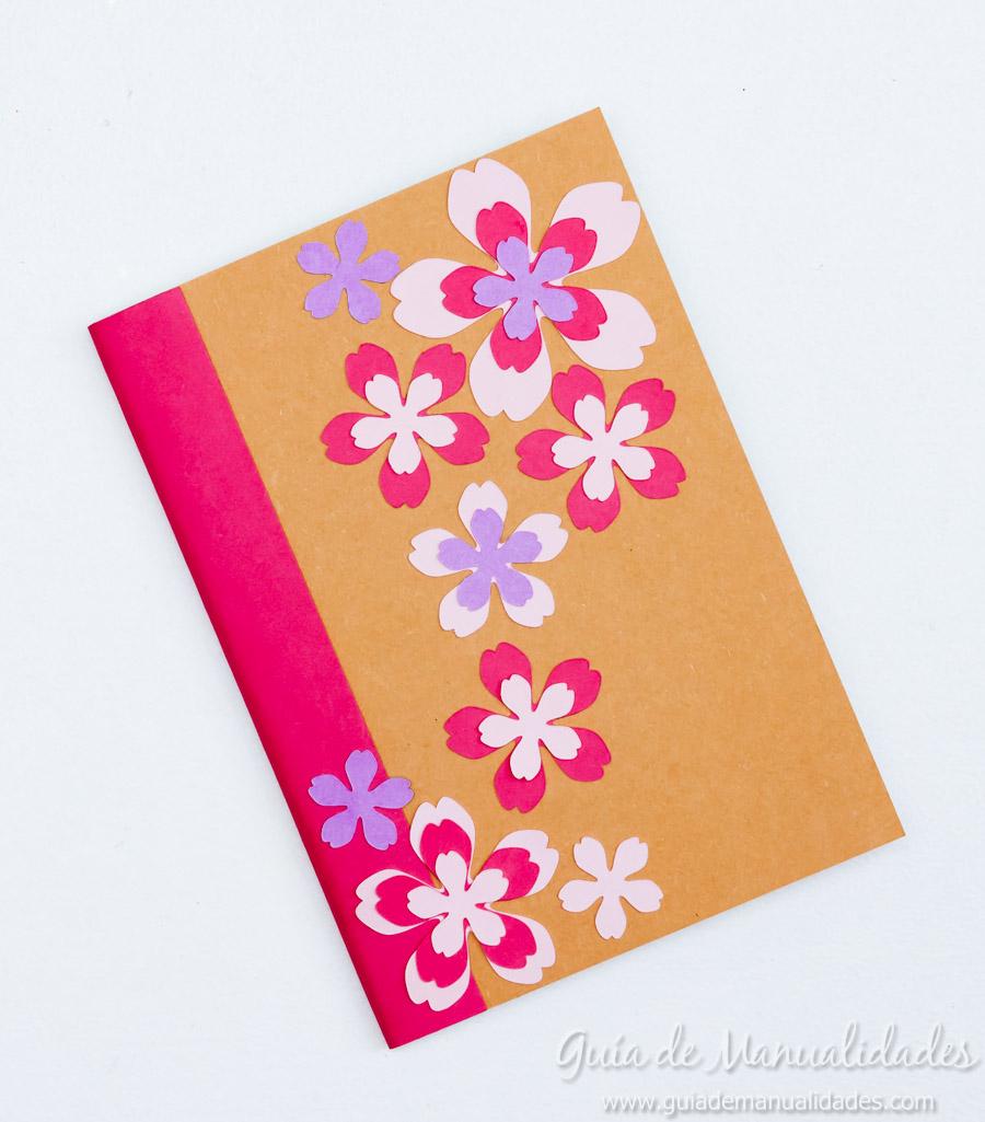 Libretas decoradas con dise os de papel gu a de manualidades - Cola para pegar papel ...