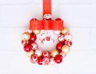 imagen Corona de navidad con clips para mensajes