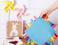 imagen Manta con cintas de colores para el bebé ¡a jugar!