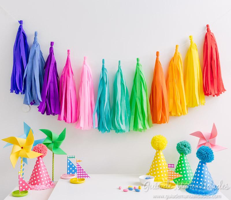 Guirnalda de flecos o tassels con papel crep gu a de for Decoracion navidena con papel