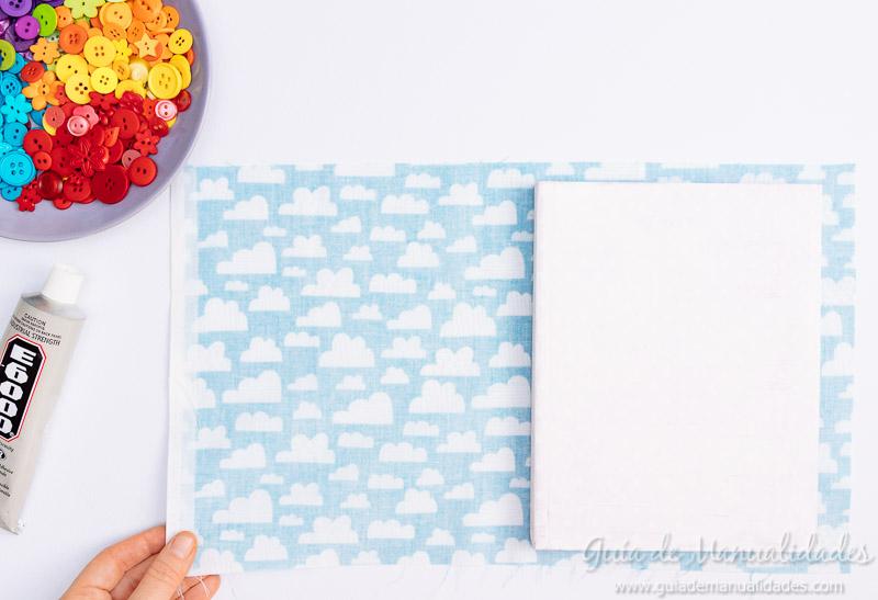 Arcoíris de botones para decorar un cuaderno de notas 4