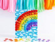 imagen Arcoíris de botones para decorar un cuaderno de notas
