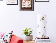 imagen Lámpara rústica con madera y papel artesanal