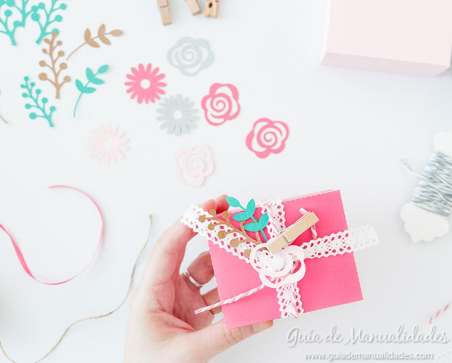 Cajitas románticas para regalos y sorpresas11