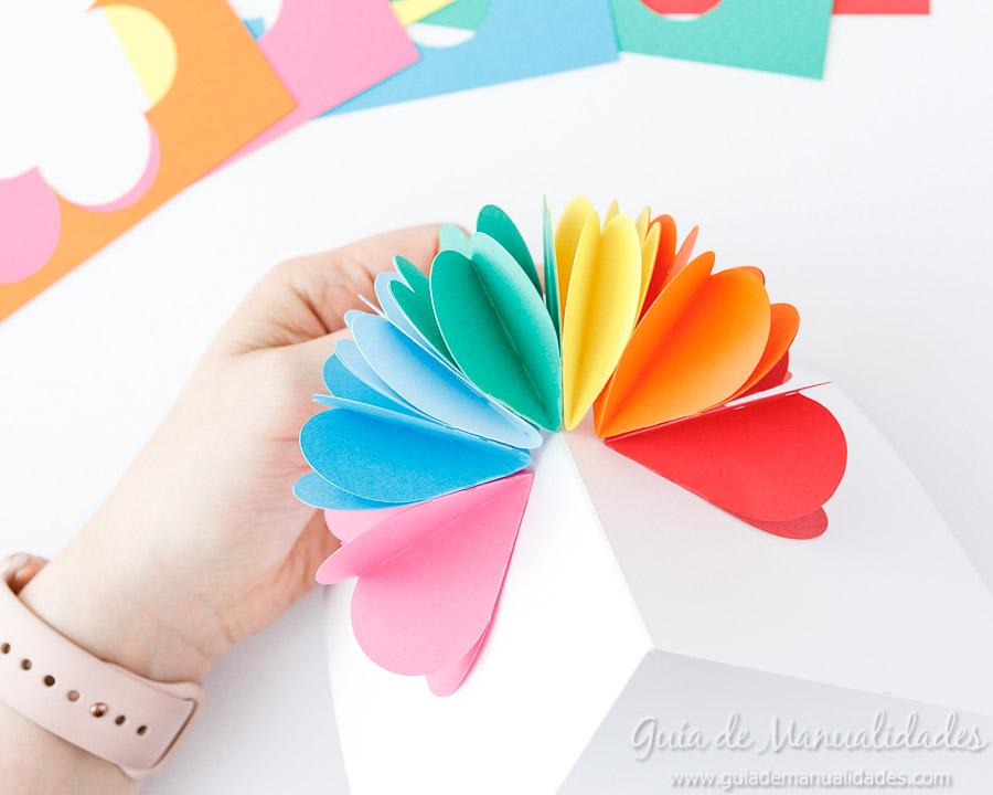 Tarjeta pop up corazones San Valentin 15
