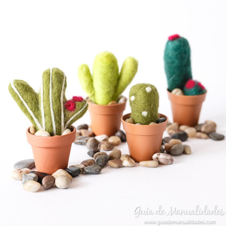 Cactus de fieltro DIY 10