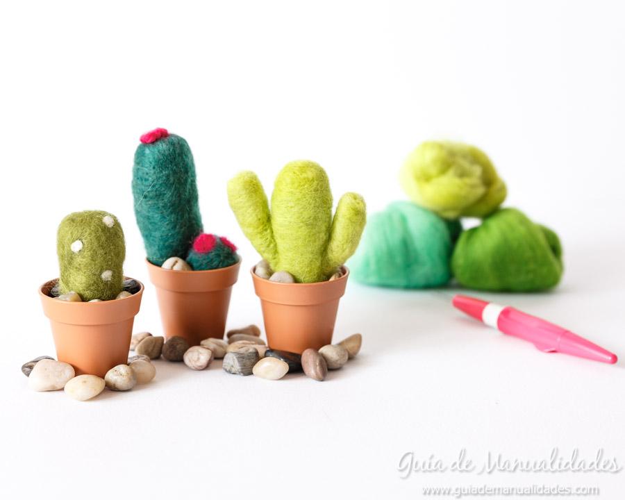 Cactus de fieltro DIY 9