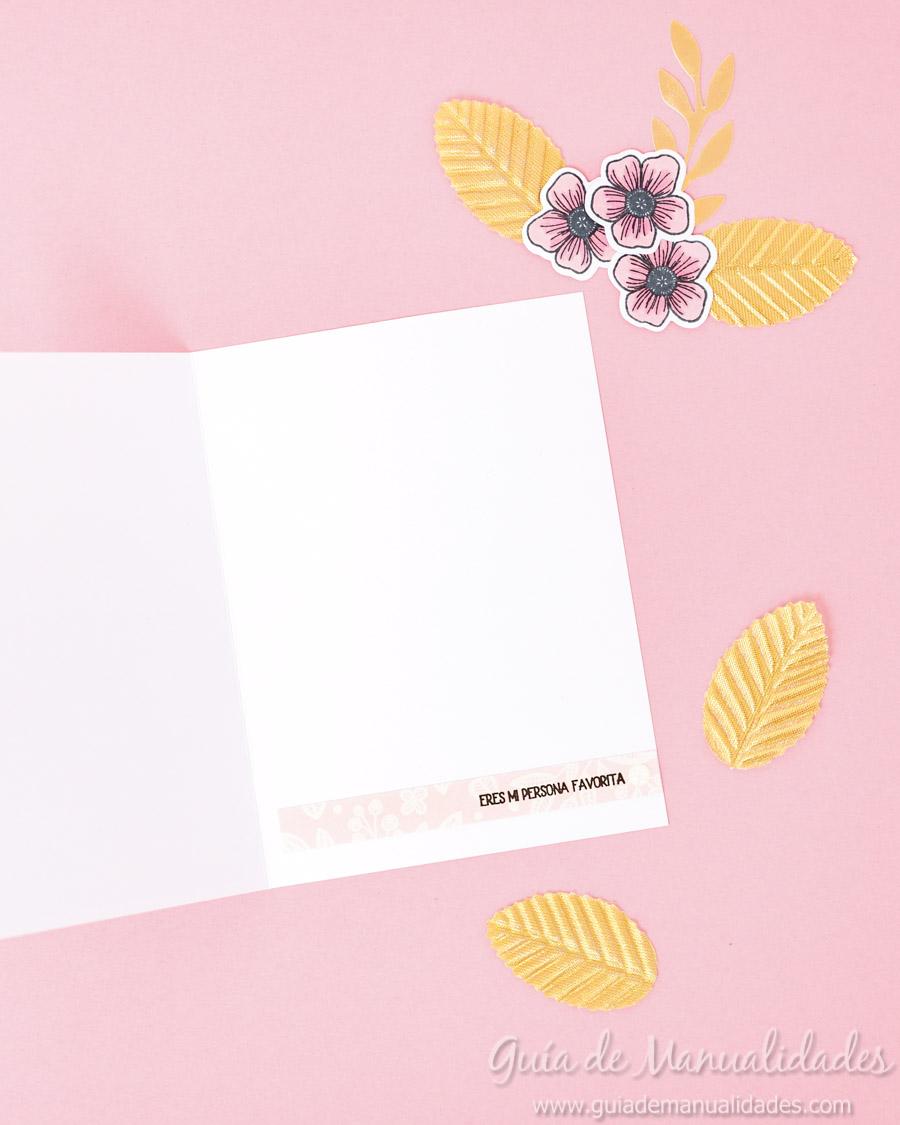 Tarjeta con flores y copics 12