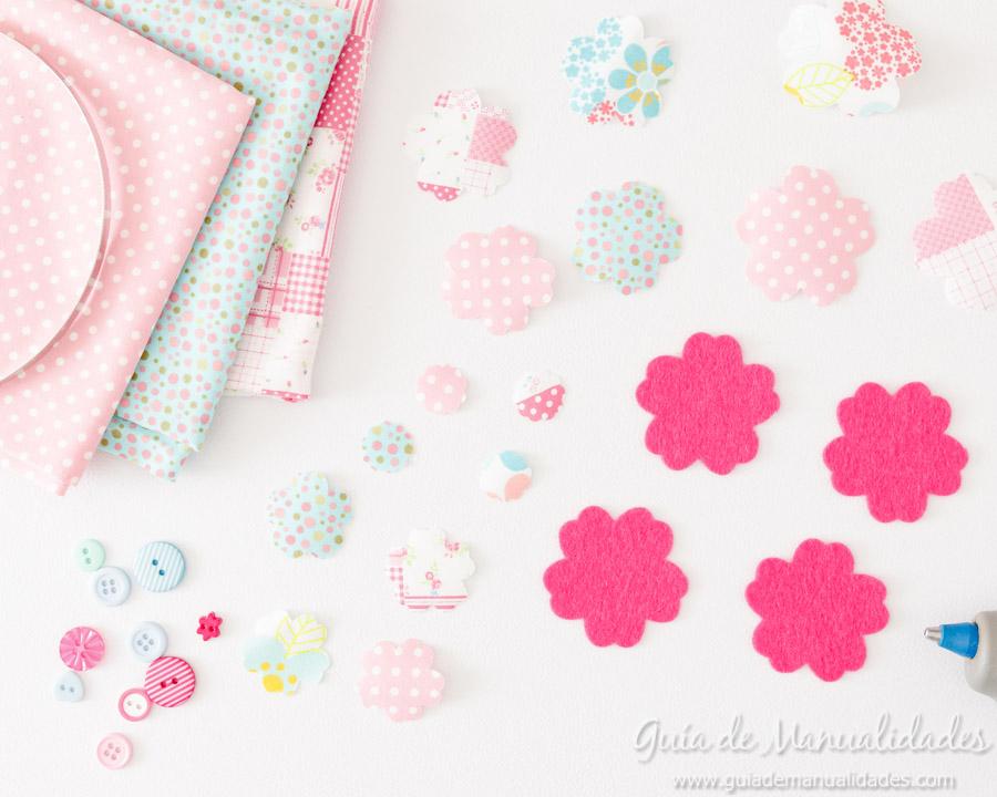 Diadema con flores de tela y fieltro 7