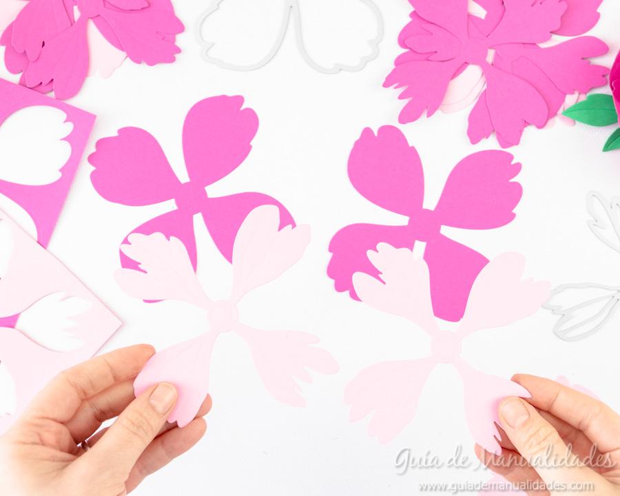 Flores de papel DIY y centro con embossing 4