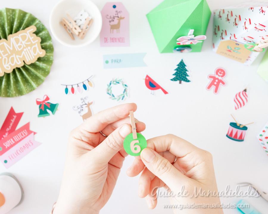 Calendario de Adviento con cajitas arbolito DIY 10
