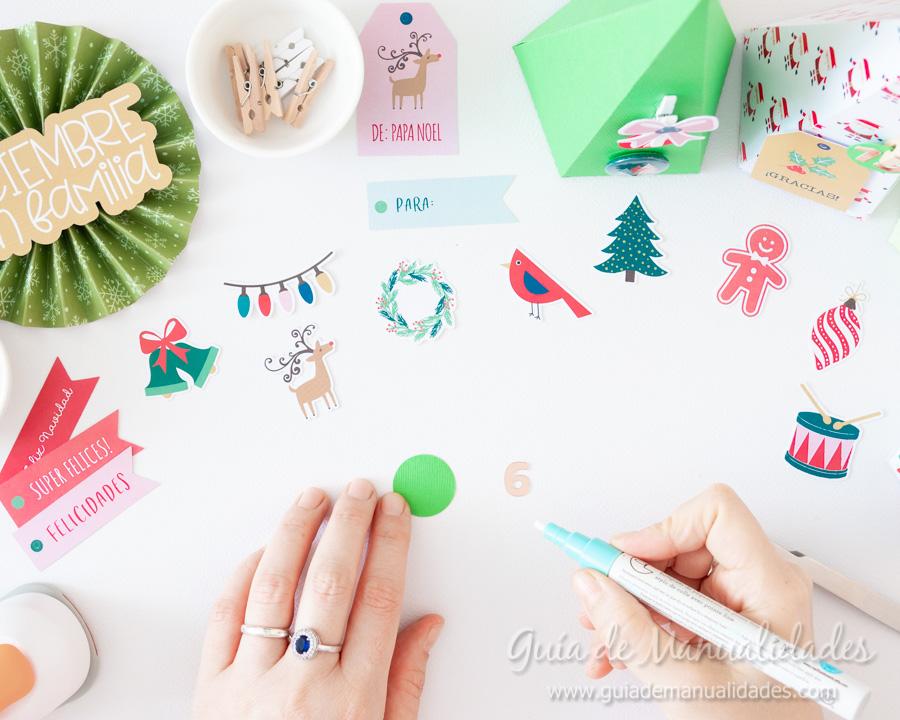 Calendario de Adviento con cajitas arbolito DIY 9