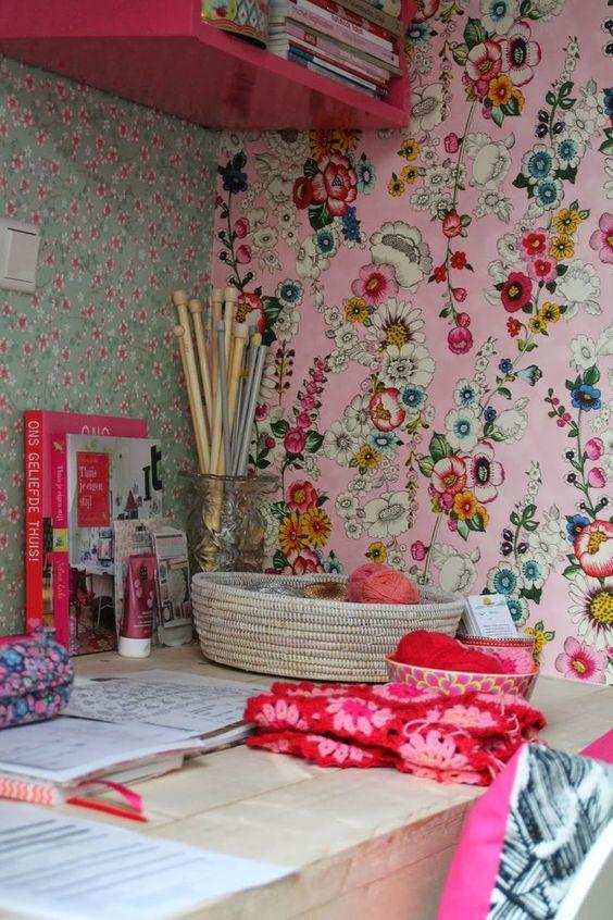 Decoración del craftroom con papel pintado 4a