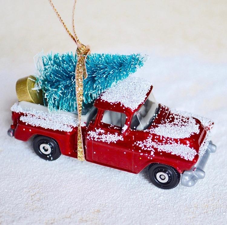 Ideas para hacer con mini arbolitos de Navidad 11